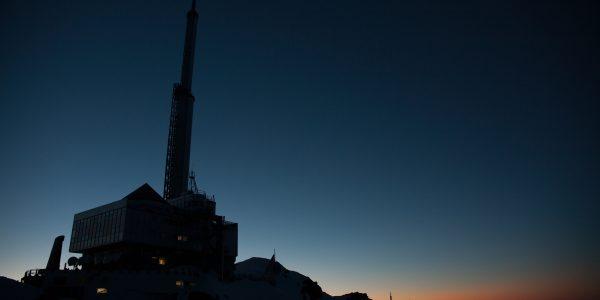 La tour TDF au crépuscule.